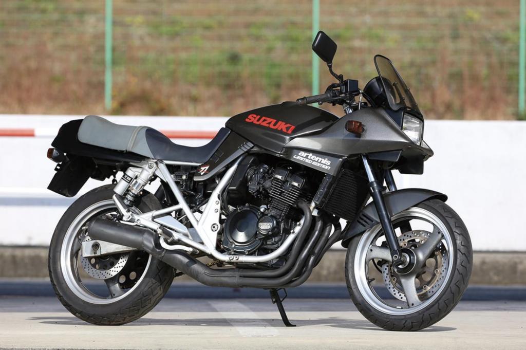 バイク スズキ GSX250Sカタナ